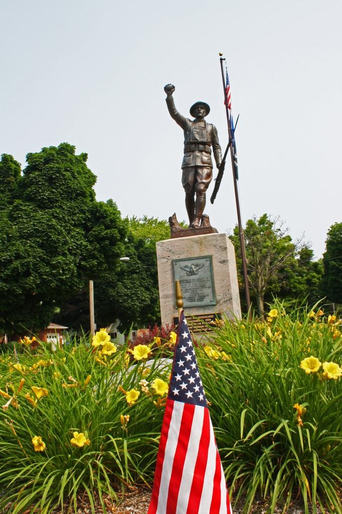 Patriotic WWI Statue