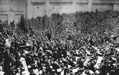 petrograd-soviet-1917